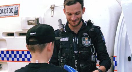 Un policía evita el suicidio de un joven hablando de Fortnite